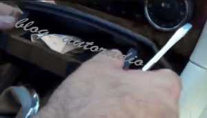 montage autoradio Mercedes CLK W209