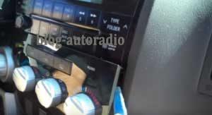installer autoradio Toyota Sequoia
