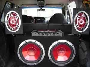 le syst me audio pour voiture est important pour le divertissement de tous ces occupants. Black Bedroom Furniture Sets. Home Design Ideas